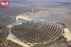 La ville d'Ouarzazate va accueillir la plus grande centrale solaire du monde. Ce méga complexe, grand comme la capitale Rabat (117km2), devrait être achevé en 2020 et fournir près de la moitié de l'électricité du Maroc.