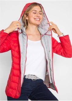 Με κουκούλα και τσέπες στα πλαϊνά, με ελαφριά επένδυση. Μήκος περίπου 66 εκ. Εξωτερικό υλικό: 100% πολυαμίδιο. Φόδρα: 100% πολυέστερ. Εσωτερική φόδρα: 90% φτερά, 10% πούπουλα. Red Leather, Leather Jacket, Winter Jackets, Style, Fashion, Studded Leather Jacket, Winter Coats, Swag, Moda
