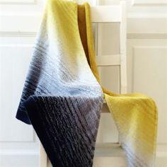 Dip Dye sjal af Camilla Vad, find det hos Tusindfryd
