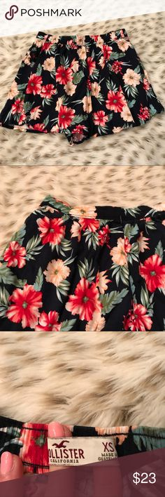 Hollister Hawaiian Floral Shorts Hollister size XS Hawaiian floral shorts! Stretchy waistband. Pockets on both sides! Gorgeous print! Excellent used condition! Black background Hollister Shorts