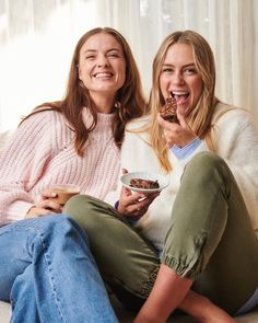 """Laura Henshaw on Instagram: """"Why are our smiles so big you ask? Well, they must be because we just added 50 NEW RECIPES into the @keepitcleaner app today!! So many…"""" New Recipes, Keep It Cleaner, Ads, Couple Photos, Couples, Instagram, Couple Shots, Couple Photography, Couple"""