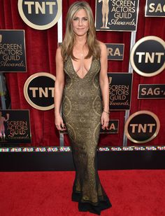 Jennifer Aniston in a John Galliano vintage and Fred Leighton jewelry (SAG Awards 15)
