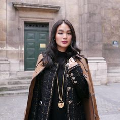 Heart Evangelista's 5 Must-Haves for Traveling in Style Heart Evangelista Style, Filipino Fashion, Classy And Fabulous, Asian Style, Classy Outfits, Style Icons, Autumn Fashion, Street Style, Style Inspiration