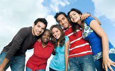 ¿Qué personas te rodean? Distingue qué relaciones son saludables y cuáles perjudican tu bienestar vital. Cómo alejarse amorosamente de las personas dañinas y construir nuevas relaciones enriquecedoras, cómo elegir a las personas correctas para ser más feliz. url