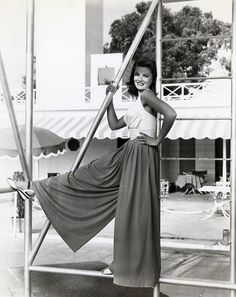 40s era casual sports wear resort halter top shirt wedge shoes Gene Tierney/Wearing amazing wide legged pants, my favorite:)