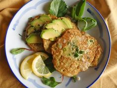 These pancakes contain avocado, onion and lots of healthy ingredients. A great, energy-filled way to start your day on the Candida diet!