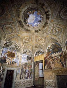 Duizelingwekkende plafondschilderingen en buitelende engelen!Andrea Mantegna bracht illusionistisch perspectief naar nieuwe hoogten in de Camera degli Sposi. http://www.italieuitgelicht.nl/duizelingwekkende-plafondschilderingen-en-buitelende-engelen/
