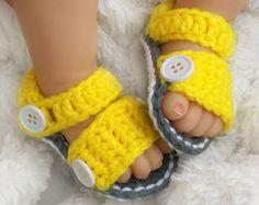 Sandalias de bebé del ganchillo por LanilooBoutique en Etsy