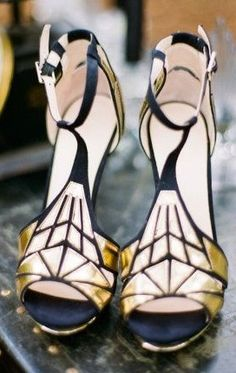 Art Deco Shoot + DIY from Oak and the Owl - Boutique 9 Art Deco Style Heels. Perfect for your black and gold Great Gatsby wedding! Boutique 9 A - Fashion Mode, Look Fashion, Fashion Shoes, Fashion Spring, Womens Fashion, Estilo Art Deco, Crazy Shoes, Me Too Shoes, Bridal Shoes