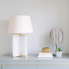 Bedside Lamps Luxury, Bedside Lamps Design, Luxury Table Lamps, Lamp Design, Contemporary Living, European Home Decor, Teen Room Decor, Table Lamp Sets, Home Decor Accessories