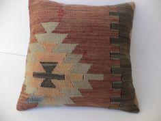 "TURKİSH RUG PİLLOW,16""x16"" inch Home Decor Traditional Turkish Kilim Rug Pillow,Cushion Cover,Rustic Decor Throw Pillow,Vintage Pillow."