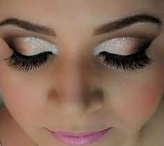 Maquillage Yeux Photos Makeup Maquillage Yeux Description Horton Horton Horton Kruger this seems like something you would do. Pretty Makeup, Love Makeup, Makeup Inspo, Makeup Inspiration, Dress Makeup, Amazing Makeup, Gorgeous Makeup, Makeup Kit, Prom Makeup Blue Dress