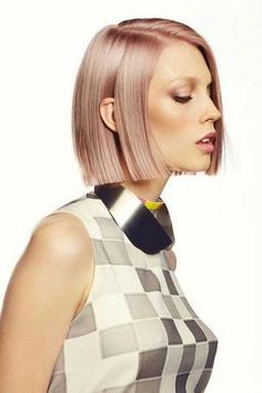 Have you ever ever heard champagne blond hair? It seems to be very enticing and charming and offers us with an important different between platinum and golden blond. Rose Gold Hair, Pink Hair, Beige Hair, Violet Hair, Medium Bob Hairstyles, Cool Hairstyles, Blonde Hairstyles, Hairstyles 2016, Celebrity Hairstyles