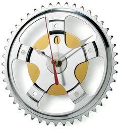 Inova Team -Modern Recycled Wall Clock
