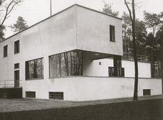 Bauhaus House | 1925-1926 | Dessau, Germany | Walter Gropius/Marcel Breuer