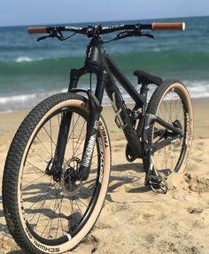 Downhill Bike, Mtb Bike, Bmx Bikes, Cycling Bikes, Bicycle Safety, Bicycle Shop, Vtt Dirt, Blitz Motorcycles, Montain Bike