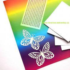 Jaro je v plném rozpuku, všechno kvete a příroda ukazuje všechny své barevné odstíny. S barvami si m... Playing Cards, Butterfly Metamorphosis, Playing Card Games, Game Cards, Playing Card