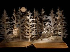 Esculturas realizadas con hojas de #libros, via @BPECuenca