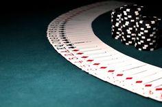 Das Urteil im Fall Eddy Scharf wurde von der Poker-Community lang erwartet. Bisher wurden Pokergewinne größtenteils nicht versteuert. Dies soll sich jedoch von nun an ändern. Mit dem Urteil im Fall Eddy Scharf steht fest, dass Pokerspieler zukünftig Steuern für das Pokerspiel zahlen müssen.  Urteil des Bundesfinanzhofs (BFH) bestätigt: Gewinne aus Pokerturnieren unterliegen der Einkommensteuer