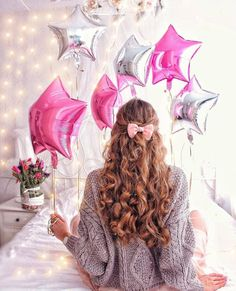 #happybirthday #just4girls Cosy Winter, Happy Weekend, Balloons, Glow, Birthdays, Happy Birthday, Photoshoot, Anime, Christmas