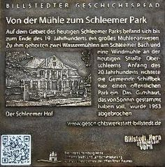 Geschichtstafel für den Billstedter Geschichtspfad.  In 13 Bronzetafeln mit Reliefs nach alten Fotografien und mit integriertem QR Code wird die Geschichte des Hamburger Stadtteils interaktiv auf einem Rundweg erzählt. Superurban!