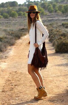 Mujeres vestidas con botas timberland