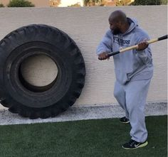 Tire Workout, Basic Workout, Sledgehammer Workout, York Fitness, James Harrison, Strength And Conditioning Coach, Bodybuilding Motivation, Gym Workouts, Weird