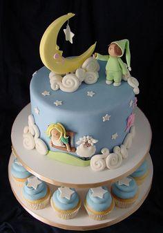 Counting Sheep moon and stars cake