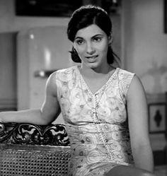 Beautiful Bollywood Actress, Most Beautiful Indian Actress, Indian Film Actress, Indian Actresses, Becoming An Actress, Celebrity Biographies, Asian Makeup, Indian Celebrities, Dimples