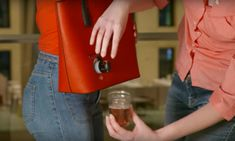 This Secret Wine Purse Will Get You Through Your Family's Next Chat About Politics | The Huffington Post