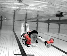 Shoot through the water faster than Aquaman with help from the underwater jetpack. They strap around your wrists and propel you through the water so you can explore deeper and further than you normally could while snorkeling or scuba diving. Futuristic Technology, Cool Technology, Technology Gadgets, Drones, Innovation, Tech Toys, Michael Phelps, Cool Inventions, Gadgets And Gizmos