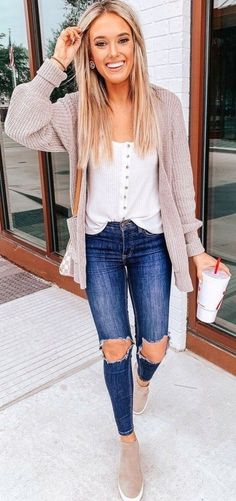 Cute Spring Outfits for Women 2019 spring outfits women videos ; Komplette Outfits, Cardigan Outfits, Fashion Outfits, Woman Outfits, Fashion Ideas, Fashion Fashion, Cardigan Outfit Summer, Cute Sweater Outfits, Denim Outfits