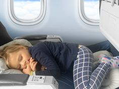 Fly LegsUp for Kids and Adults - The Fly LegsUp for Kids and Adults pack includes: Our patented Fly LegsUp Flight Hammock 1 Small P - Beach Vacation Packing List, Kids Sleep, Child Sleep, Long Flights, Travel News, Travel Stuff, Airline Travel, Travel Gadgets, Travel Hacks