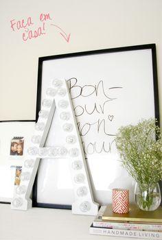 As letras nadecoraçãocontinuam em alta ainda mais iluminadas.Vejam esta ideia para fazer em casa! Material:Leia mais