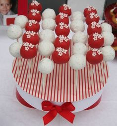 ●---      by Cake Designer Francisca Neves, Porto, Portugal