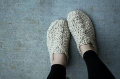 Crochet Pattern   Cable Slippers by Mamachee on Etsy $5.50