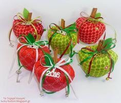 Υφασμάτινα μήλα γούρια με άρωμα κανέλας και γαρύφαλλο