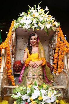 Indian Wedding Ceremony, Desi Wedding, Wedding Stage, Wedding Bride, Yellow Wedding Dress, Maxi Dress Wedding, Yellow Dress, Bridal Mehndi Dresses, Pakistani Wedding Dresses