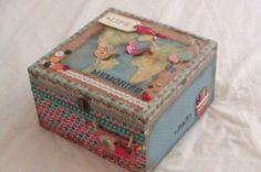 Caja decorada vintage Altered Boxes, Decoupage, Decorative Boxes, Sweet Home, Scrapbooking, Crafts, Home Decor, Tela, Boxes