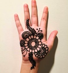 Find the Easy Cartoon mehandi designs and beautiful & Simple mehndi design for Kids images in this wedding season Mehandi Designs For Kids, Mehndi Designs Book, Back Hand Mehndi Designs, Indian Mehndi Designs, Mehndi Designs For Beginners, Modern Mehndi Designs, Mehndi Design Photos, Mehndi Designs For Fingers, Beautiful Henna Designs