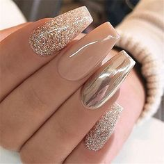 Chrome nails are the latest technology used by all trendy ladies and top nail bar salons. They use some gold/silver and metal nails to make them look gold foil/silver. Chromium nail powder can also be used. Have you tried Chrome Nail Art Designs bef Nail Art Designs, Acrylic Nail Designs, Chrome Nails Designs, Glitter Nail Designs, Square Nail Designs, Easy Nails, Simple Nails, Solid Color Nails, Long Nails