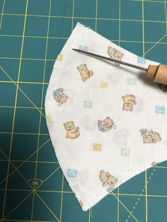 Diy Surgical Mask Free Pattern Easy _ Diy Surgical Mask - New ideas Diy Mask, Diy Face Mask, Face Masks, Sewing To Sell, Free Sewing, 3d Face, Easy Sewing Patterns, Fabric Tags, Mask Making