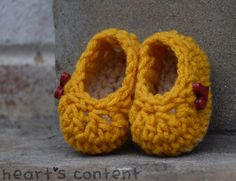 Yellow Newborn Baby Booties adorned with Red by HeartsContentByCat