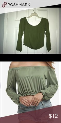 Army green off the shoulder  crop top Off the shoulder army green crop top! Great everyday top to have and easy to accessorize. Tops Crop Tops