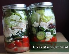 Make it lighter by leaving out olives or using fat free cheese. Greek Mason Jar Salad #organizeyourselfskinny #masonjarsalads #saladinajar