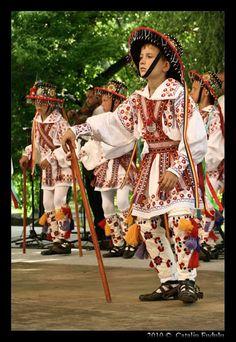 romanian traditional dance ''Calusarul''  photo Catalin Fudulu