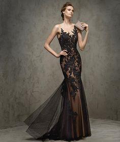 Fausta -  Vestido de festa em renda, decote em coração