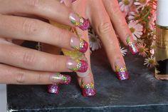 Lots of Daisies- Nail Art Gallery by nailsmag.com