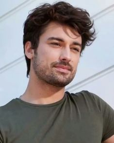 His smile 😍😍😍 Turkish Men, Turkish Beauty, Turkish Actors, Alina Boz, Vogue Men, French Songs, Best Series, Beard Styles, Drawing People