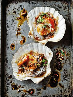 Lighty steamed steamed scallops with garlic and vermicelli served in the shells as a stunning starter for a Chinese feast. Read more